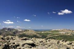 Felsen in den hohen Bergen stockbilder