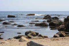 Felsen in den Wellen Stockfotografie