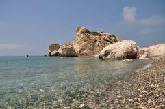Felsen der Aphrodite nahe Paphos Stockfotos