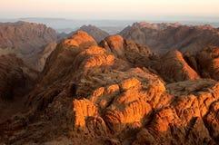 Felsen in der Sonne des frühen Morgens Stockfotografie