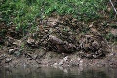 Felsen des Gebirgssees Lizenzfreie Stockbilder