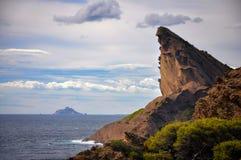 Felsen des Schnabels Eagles über dem Meer am La Ciotat Stockfoto