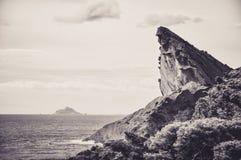 Felsen des Schnabels Eagles über dem Meer am La Ciotat Lizenzfreies Stockfoto