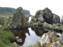 Felsen durch das Meer, Arran Lizenzfreies Stockfoto