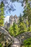 Felsen im Nationalpark von Adrspach-Teplice schaukelt - Tschechische Republik Stockbild