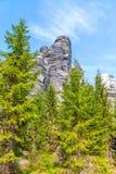 Felsen im Nationalpark von Adrspach-Teplice schaukelt - Tschechische Republik Stockfotos