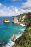 Felsen im Ozean Lizenzfreies Stockfoto