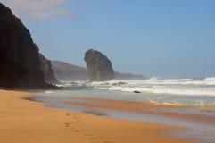 Felsen im Ozean Lizenzfreie Stockbilder