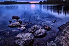 Felsen im Teich Lizenzfreies Stockfoto