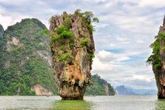 Felsen Ko Tapu auf James Bond Island, Thailand Stockbilder