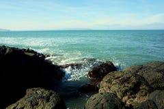 Felsen in Meer stockfoto