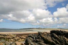 Felsen, Meer und Wolken Stockfotos
