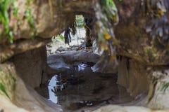 Felsen mit Wasser Lizenzfreies Stockfoto