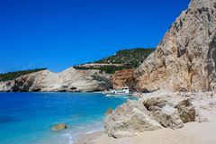 Felsen an Strand Porto Katsiki auf Lefkas-Insel lizenzfreie stockfotografie