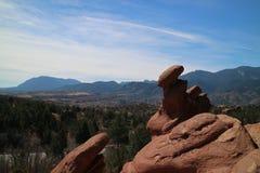 Felsen und die Berge lizenzfreie stockbilder