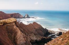 Felsen und Klippen entlang der Küste von Lagos, Algarve, Portugal stockbilder
