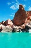 Felsen und Klippen in Shauab setzen, Berge, Sande, Westkap, Socotra, der Jemen auf den Strand Lizenzfreies Stockbild
