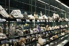 Felsen und Mineralien bei Museu Blau stockfotos