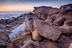 Felsen und Ozean Lizenzfreies Stockfoto