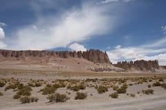 Felsen und Sandwüste, Chile Stockbild