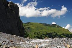 Felsen und Wolken Lizenzfreie Stockfotografie