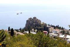Felsen von Chaliapin, Kirche die Annahme die gesegnete Jungfrau Mary View vom Berg Bolgatura Gurzuf krim Stockfotografie