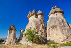 Felsenanordnungen in Cappadocia die Türkei stockfotos