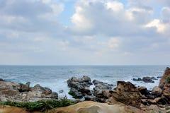 Felsenküste stockbilder