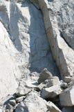 Felsenklippenwand des Berges Stockbild