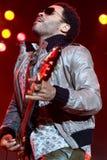 Felsensänger Lenny Kravitz am Konzert stockbild