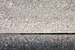 Felsenwand und -reflexion Lizenzfreie Stockfotografie
