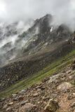 Felsenwolken-Nebelberge Lizenzfreies Stockfoto