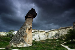 Felsformationen nahe Goreme, Cappadocia, die Türkei. Stockfotografie