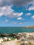 Felsige adriatische Küste Lizenzfreie Stockbilder