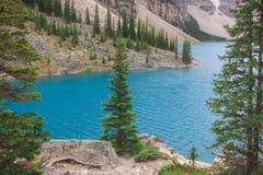 Felsige Berge Kanada des moraine Sees Stockbild