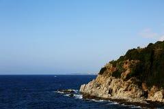 Felsige Küste stockbild
