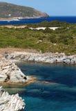 Felsige Küste der Korsika-Insel lizenzfreie stockfotos