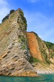 Felsige Küste des adriatisches Meer-seene vom Meer bei Sonnenuntergang Lizenzfreie Stockfotos