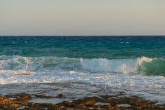 Felsige Küste des Mittelmeeres Stockbild
