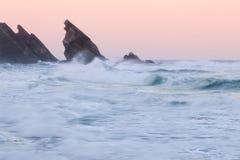 Felsige Küstenlinie Atlantiks Stockbilder