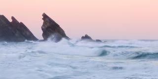 Felsige Küstenlinie Atlantiks Stockfotografie