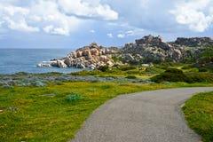 Felsige Küstenlinie in Sardinien, Italien Lizenzfreies Stockbild