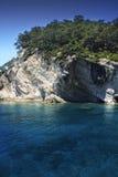 Felsige Mittelmeerküstenlinie. Stockbild