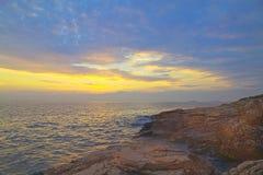 Felsige raue adriatische Küste Stockfotografie
