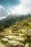 Felsige Treppen auf hohen Bergen Stockbild