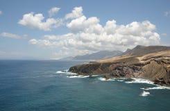 Felsige Westküste von Fuerteventura, Spanien lizenzfreie stockfotos
