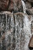 Felsiger Gebirgswasserfall Lizenzfreies Stockbild