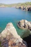 Felsiger Küsten- und Seegolf Fethie, die Türkei Stockbilder