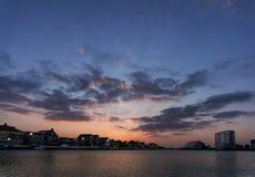Felsiger See-Sonnenuntergang Stockfotos