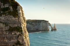 Felsiger Strand in Normandie, Frankreich Stockbild